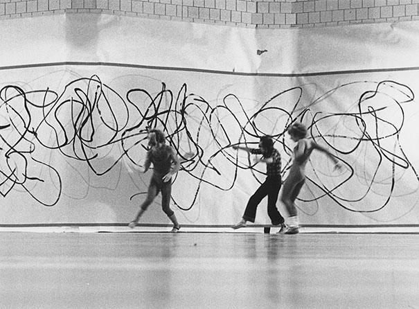 Performance de M Barbeau avec la compagnie Anna Wyman Dance Theater de Vancouver dans le cadre du Festival Octobre en danse, Studio de la Place des arts, Montréal, 16 octobre 1978. Photo, Yvan Boulerice