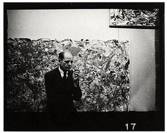 Jackson Pollock, à la Galerie Parsons en 1951, photographe inconnu