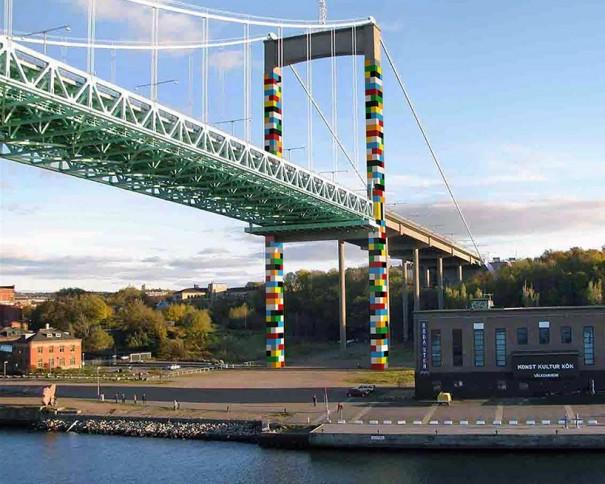 Le pont suspendu d'Älvsborg, avec le projet de Christo Guelov